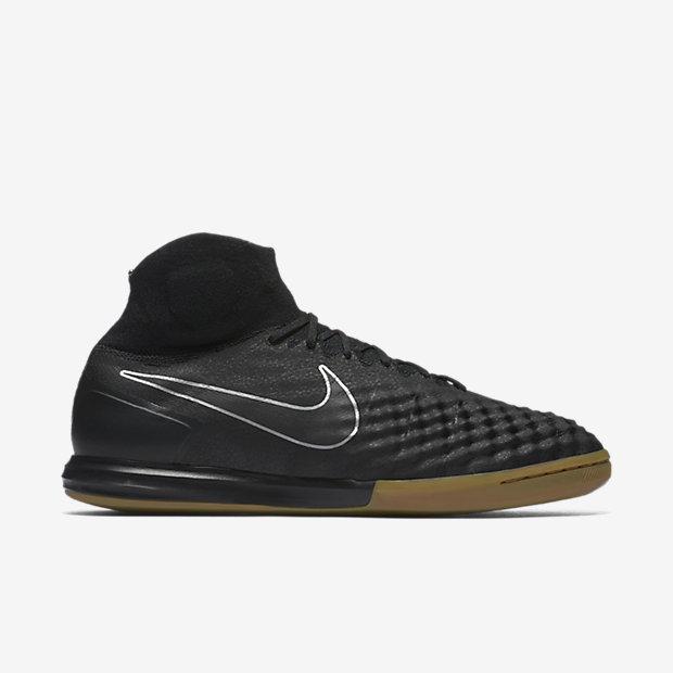 f0bba475faf7 Men s Nike MAGISTAX Proximo II IC Indoor Soccer Shoes Black Size 11  843957-009